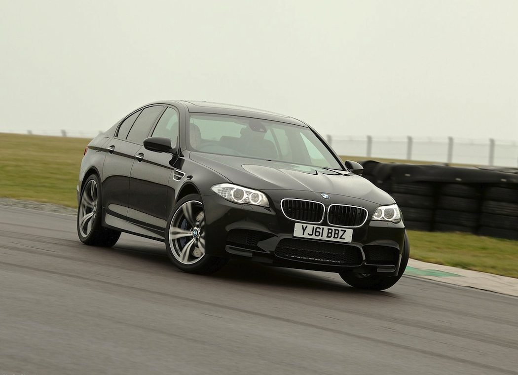 2013 BMW M5 Review