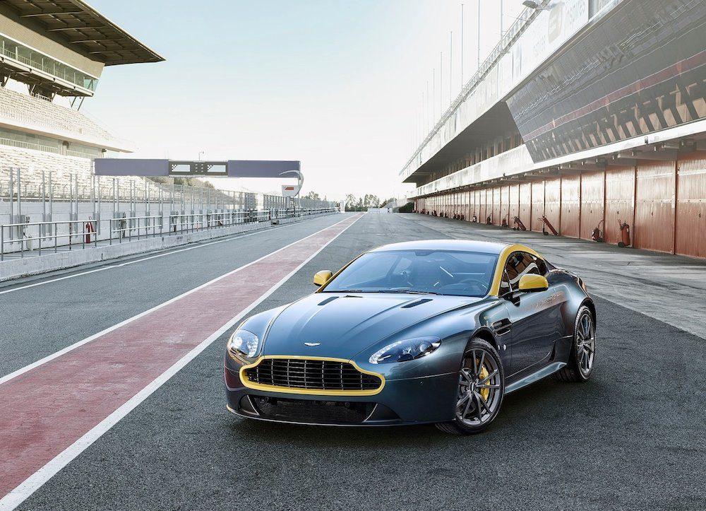 Aston_Martin-V8_Vantage_N430_2015_1600x1200_wallpaper_01